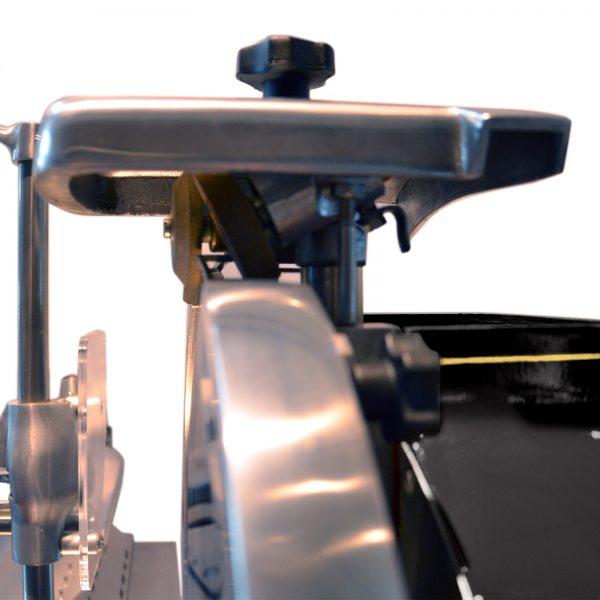 Trancheuse-Volant-Roussey-Noir-Zoom-Affuteur-2
